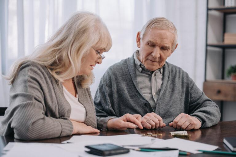 Contribuinte deve ter atenção na hora de incluir pais, avós e bisavós na declaração do Imposto de Renda